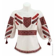 Пышная женская вышиванка с гуцульской вышивкой в традиционной гамме