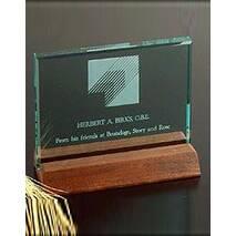 Скляна нагорода з деревяною підставкою арт. PG050