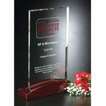 Скляна нагорода на дерев'яній підставці арт. PG046