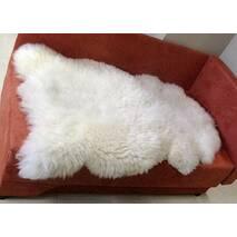 Овечья шкура - шкура овцы (белого цвета)