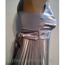 Вечірня сукня гофре в грецькому стилі сталевий сірий атлас