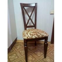 Деревянный стул с точеными ножками