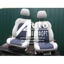 Салон (сиденья и пластик) в Mercedes-Benz CLK-класс (Мерседес Бенц, СЛК-класс)