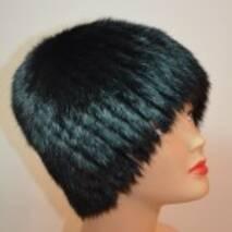 27. Черная женская меховая шапка (снопик на трикотаже)