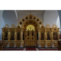 Позолоченный деревянный иконостас