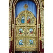Позолоченный деревянный иконостас на заказ