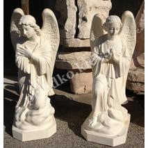 Скульптура ангелов из белого бетона
