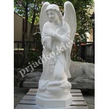 Скульптура скорбящего ангела из белого бетона