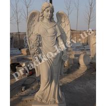 Фигура ангела из белого мрамора