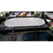 Гранитный стол (овальный) з покостовки