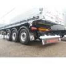 3-х вісний напівпричіп з алюмінієвим кузовом і сталевою рамою, з розвантаженням наліво/назад для міжнародних перевезень (TIR)