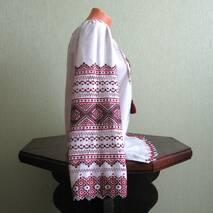 Изысканная вышиванка женская на сером полотне ручной работы