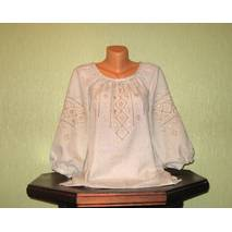 Рубашка женская (на сером полотне, вышитая шелком) ручной работы