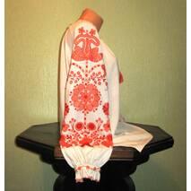 Рубашка вышитая женская ручной работы с узором персикового цвета