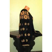 """Женская вышиванка на черном льне с широкими рукавами вышита """"золотом""""ручной работы"""