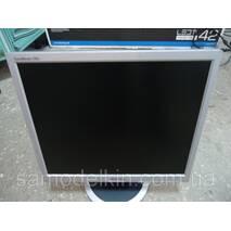 Монитор 17 Samsung 720N