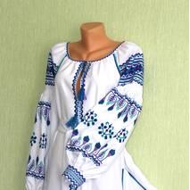 Жіноча сорочка вишита ручної роботи