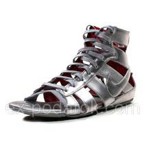 """Фирменные сандали """"Nike""""."""