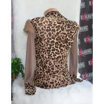 Стильная женская блузка.