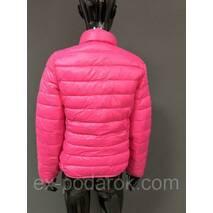 Легкая зимняя женская курточка.