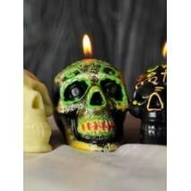 Свічка череп білий на хеллоуин