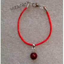 Красная нить оберег натуральный камень Коралл 10 мм