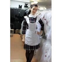 Стильное школьное платье в клеточку