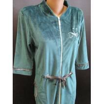 Однотонные велюровые халаты для женщин.