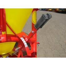 Разбрасыватель минеральных удобрений (пластик) JAR-MET 500 кг