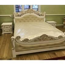 Деревянная кровать Корона