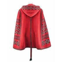 Красная вышитая накидка-пончо с капюшоном купить в розницу