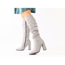 Демисезонные замшевые серые женские сапоги на каблуке
