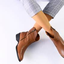 Женские демисезонные ботинки рыжие, кожа флотар
