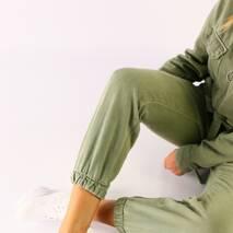 Женские кроссовки белые кожаные 38