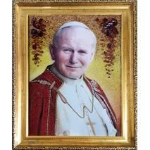 Портрет священника із бурштину