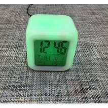 Часы светящиеся хамелеон - кубик / 1375