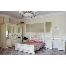 Дубовая двуспальная кровать Мария