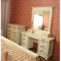 Комод Едельвейс для спальні з масиву дуба
