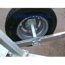 Кронштейн запасного колеса к лодочному прицепу