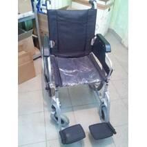 Інвалідна коляска б/у, ширина сидіння 43 см