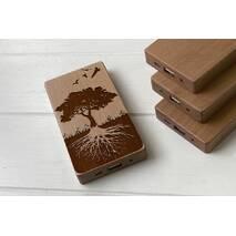 Дерев'яний зовнішній акумулятор Maple з гравіюванням Wood