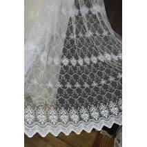 Тюль белая с вышивкой на фатине в спальную зал