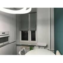 Римская штора солнцезащитная блэкаут  на кухню, в прихожую система классик