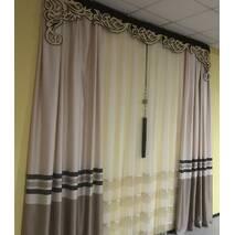 Современные шторы в спальню молочный верх и золотой низ