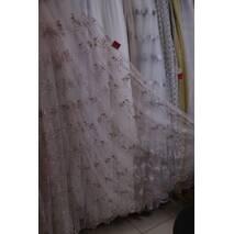 Изящная цветочная вышивка пудровый цвет в спальную и гостиную