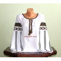 Гуцульська вишиванка жіноча виконана низинкою