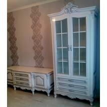 Двухдверная витрина Версаль из массива дерева