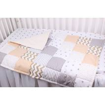 Детское теплое одеяло в бежевых тонах