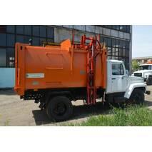 Сміттєвоз КО-431-05 з боковим завантаженням на шасі ГАЗ