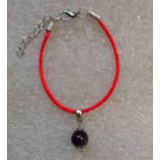Красная нить-оберег с натуральным камнем Аметист